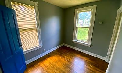 Living Room, 527 W 8th St, 2