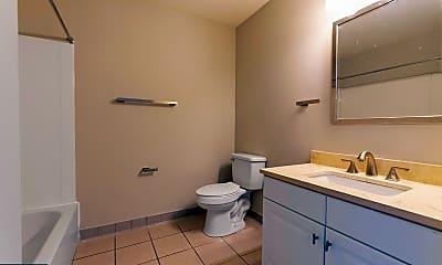 Bathroom, 720 N 5th St 405, 2
