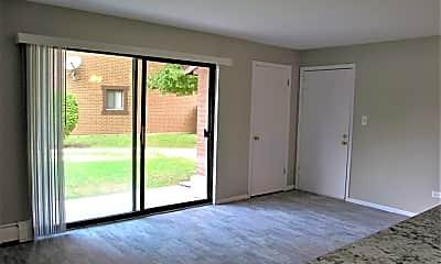 Living Room, 1515 E Winslowe Dr, 1