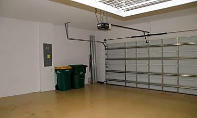 Building, 9176 Glenforest Dr, 2