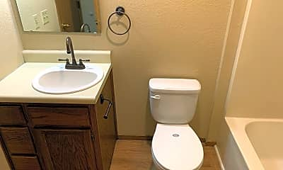 Bathroom, 2208 N Clifton Ave, 2