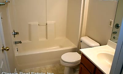Bathroom, 2587 Woodhill Dr, 2