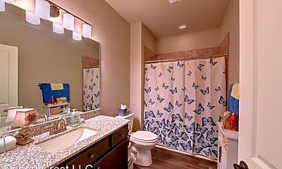 Bathroom, 701 S Mock St, 1