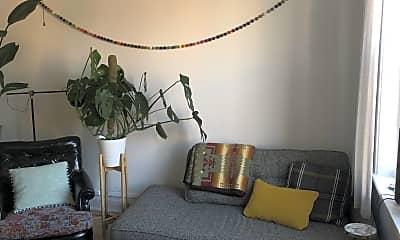 Living Room, 916 N Damen Ave., 1