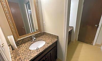 Bathroom, 6003 S Marion Ave, 2