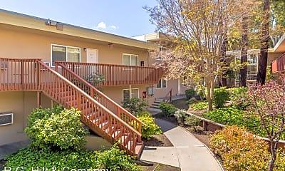 Building, 1384 Oakland Blvd, 1