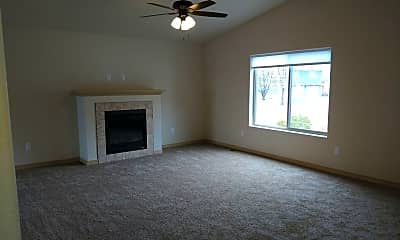 Living Room, 2224 South Dr, 1