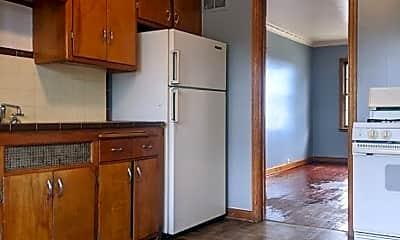 Kitchen, 5635 W Capitol Dr, 1
