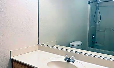 Bathroom, 3907 Hill Dr, 2