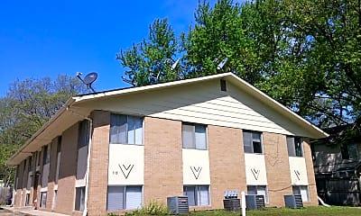 Building, 715 Wilson Ave, 1