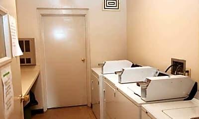 Bathroom, Foxcroft Village Apartments, 2