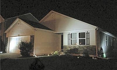 Building, 108 Meadowcrest Dr, 2