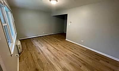 Living Room, 5331 S Kilbourn Ave 1, 1