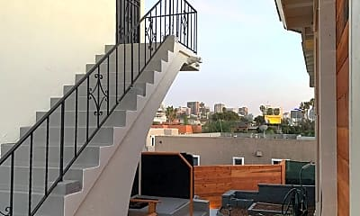 Patio / Deck, 2565 Columbia St, 1
