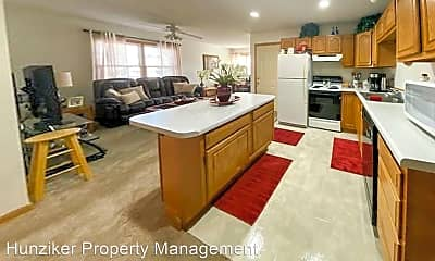 Kitchen, 4535 Twain Cir, 2