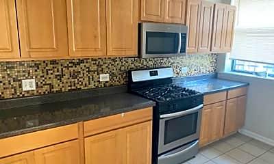 Kitchen, 5606 S Wabash Ave, 2
