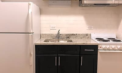 Kitchen, 6611 N Sheridan Rd 306, 1