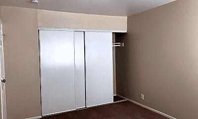 Bedroom, 1415 MacArthur Blvd, 2