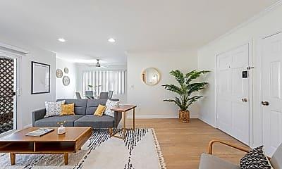 Living Room, 937 5th St, 1