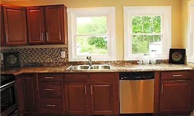 Kitchen, 909 Matheson Ave, 2