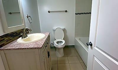 Bathroom, 560 W 18th St CH, 2
