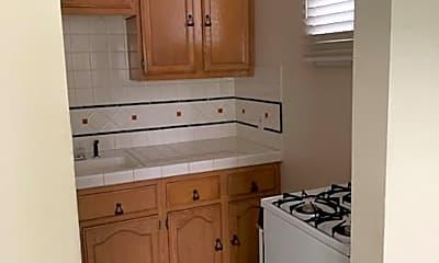 Kitchen, 124 S Camden Dr, 2
