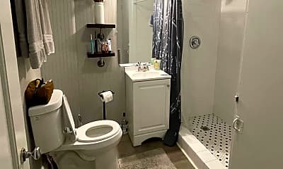 Bathroom, 602 W Main St, 1