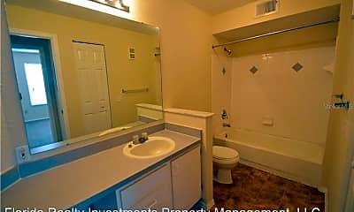 Bathroom, 829 Camargo Way, 2
