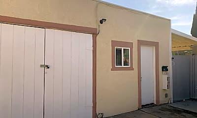 Building, 171 N Lemon St, 2
