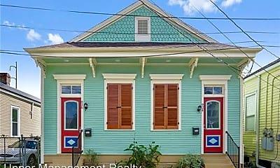 Building, 824 N Dupre St, 0