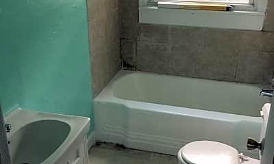 Bathroom, 2945 Hummingbird Ln, 1