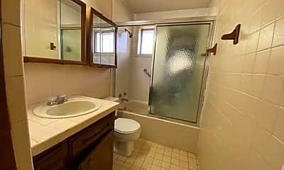 Bathroom, 824 NW 8th St, 2