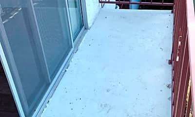 Patio / Deck, 220 Bay St 108, 1