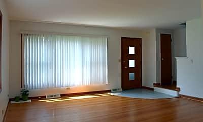 Living Room, 710 E Shabonee Trail, 1