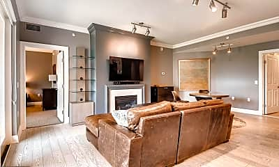 Living Room, 801 Key Hwy 253, 1