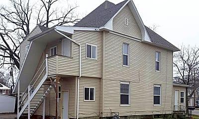 Building, 1557 W Franklin St, 0