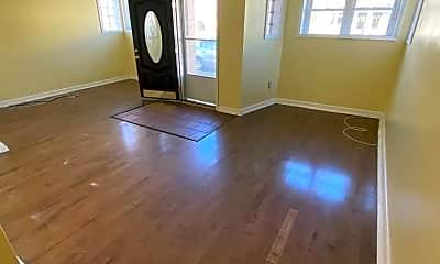 Living Room, 3103 E Marshall St, 1