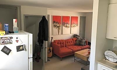 Bedroom, 133 N 4th St, 1