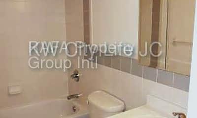 Bathroom, 205 Warren St, 1