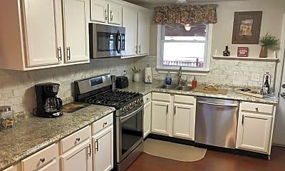 Kitchen, 351 Sweetbriar St, 0