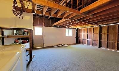 Building, 736 Brentwood Pl, 2
