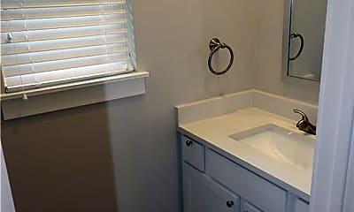 Bathroom, 1224 S Washington Ave, 2