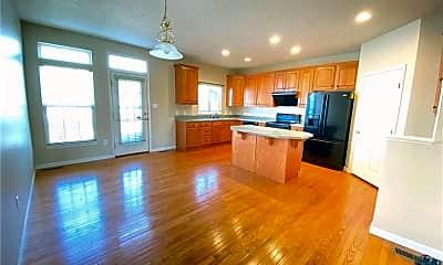Living Room, 204 Village Pl, 1
