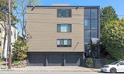 Building, 910 10th Ave E, 2