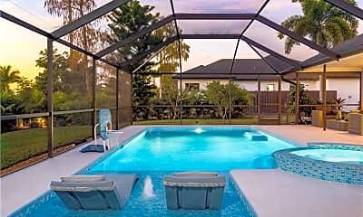 Pool, 2305 Kings Lake Blvd, 2
