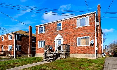 Building, 632 Maple Dr, 1