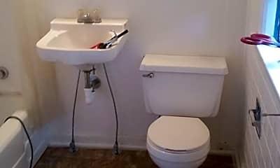 Bathroom, 125 E 17th St N, 2