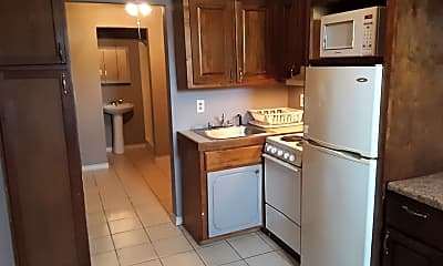 Kitchen, 900 AR-367, 0