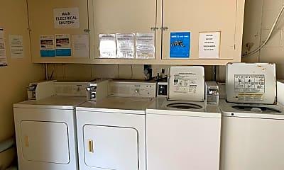 Kitchen, 832 Hawthorne St, 2
