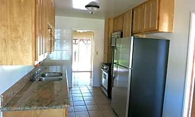 Kitchen, 5121 Leo St, 1